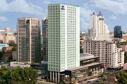 [photo of exterior of Hilton Hotel Warsaw]